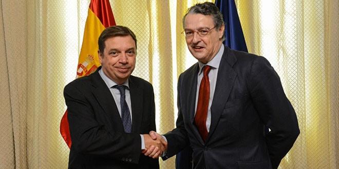Reunión de Luis Planas con el secretario general de la Federación Española del Vino.