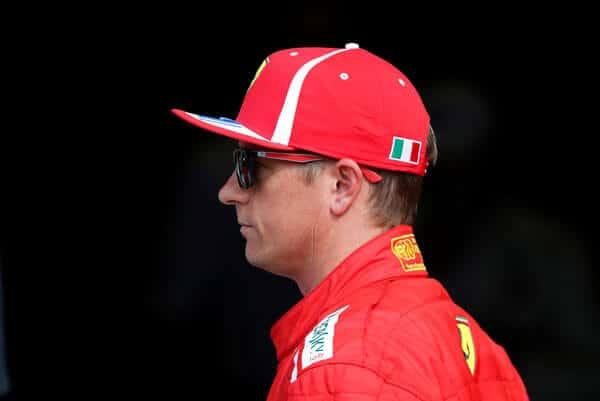 Más de 20.000 aficionados de Ferrari firmaron una petición en internet para solicitarle que mantenga en sus filas por un año más al piloto finlandés Kimi Raikkonen