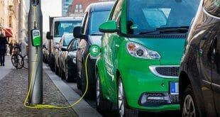 Reino Unido se une a campaña EV30@30 para impulsar el uso de carros eléctricos