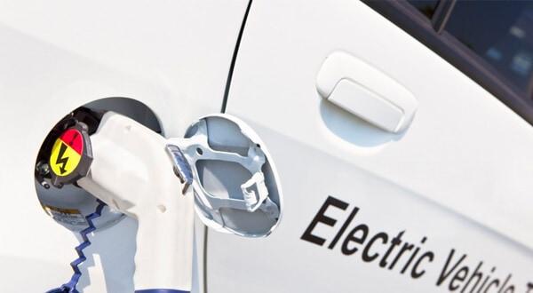 Un total de 6.942 unidades de vehículos eléctricos e híbridos se vendieron en todo el territorio español durante el último mes