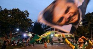 Según el sondeo de CNT/MDA, el ultraderechista Jair Bolsonaro aumentó su ventaja antes de las elecciones presidenciales de Brasil/Reuters
