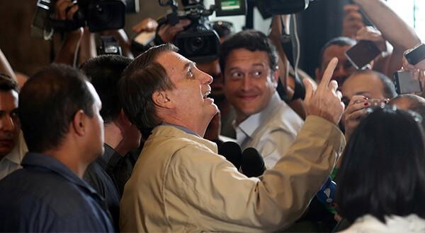 Candidato Jair Bolsonaro con la presidencia de Brasil a su alcance