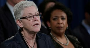 Gina McCarthy rechazó que Estados Unidos promueva un mayor consumo de combustibles fósiles