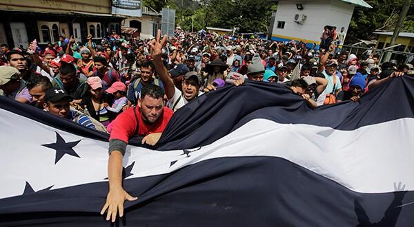 Trump amenazó a Honduras mientras migrantes caminan rumbo a EEUU