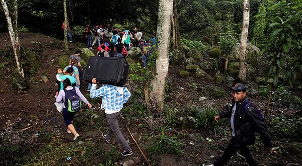 Caravana de migrantes centroamericanos toma cuerpo, mientras arrecian las amenazas