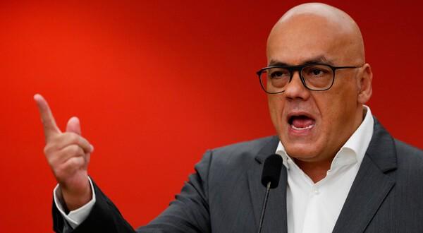 """Jorge Rodríguez, ministro de Comunicación e Información de Venezuela, llamó """"mentiroso"""" al presidente de Ecuador Lenín Moreno. REUTERS/Carlos Garcia Rawlins"""