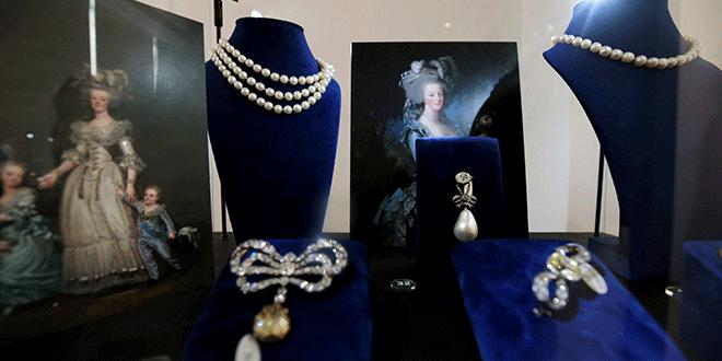 Las joyas que pertenecieron a la reina María Antonieta de Francia expuestas en la casa de subastas Sotheby's en Dubái, Emiratos Árabes Unidos, 9 de octubre de 2018. REUTERS/Christopher Pike