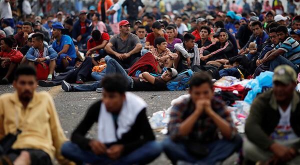 Cientos de migrantes hondureños iniciaron retorno a casa