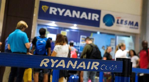 En el primer semestre de su año fiscal el beneficio de Ryanair se redujo hasta los 1.200 millones de euros/Reuters