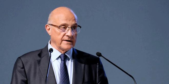 El presidente ejecutivo del banco Sabadell, Josep Oliu, da un discurso durante la reunión anual de accionistas en Alicante, el 19 de abril de 2018. REUTERS/Heino Kalis