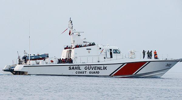 Al menos ocho fallecidos al hundirse barco con migrantes en Turquía. Continúan las operaciones de búsqueda/Reuters