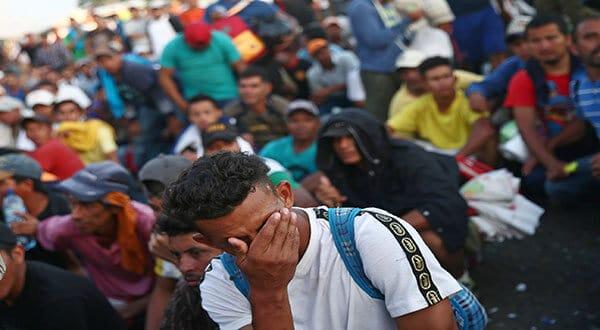 A pesar de propuesta de Peña Nieto, la gran mayoría de migrantes seguirá su marcha hasta frontera con EEUU. /REUTERS