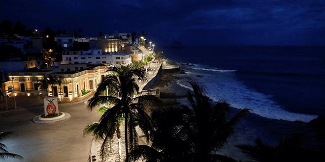 México en alerta por aproximación del huracán Willa