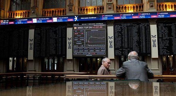 El incremento del tipo de interés en Estados Unidos y las expectativas sobre la política fiscal en Italia lastraron los valores del Ibex 35 en el cierre de semana