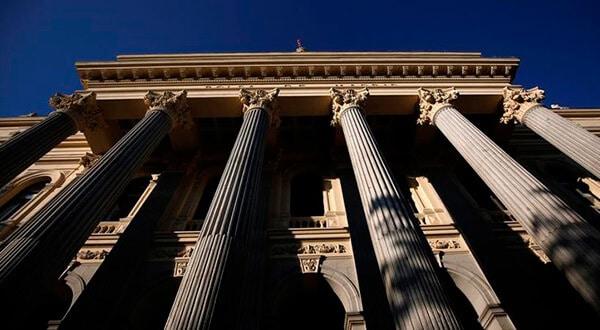 La preocupación en torno a los rendimientos de deudas en EEUU, la política presupuestaria de Italia y el Brexit lastran el Ibex 35
