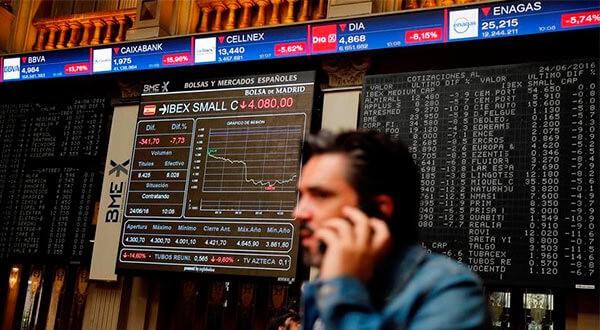 La recuperación del sector bancario impulsó valores con peso en el Ibex 35, pero el mercado se mantiene con cautela tras desplome de Wall Street