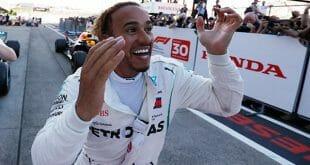 Lewis Hamilton conquistó el GP de Japón para situarse a un paso de título de la Fórmula Uno