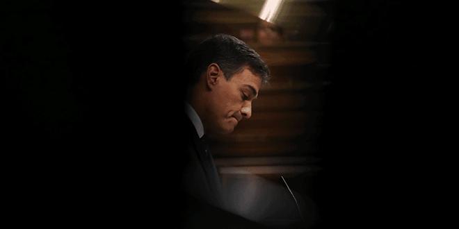 El jefe de gobierno español, Pedro Sánchez, hace gestos durante una sesión en el Parlamento en Madrid, España, el 24 de octubre de 2018. REUTERS / Susana Vera