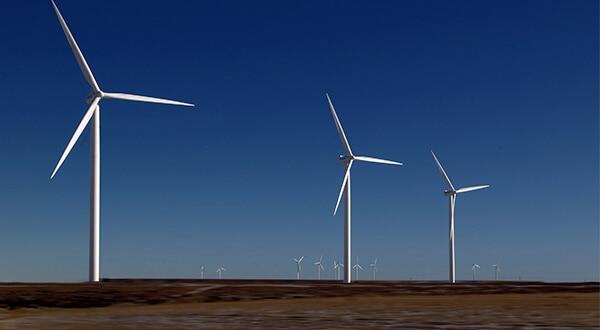 La empresa acumula 1.000 MW de generación con proyectos de energía eólica en Kansas