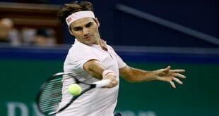 Roger Federer clasificó a la semifinal de Basilea al derrotar al francés Gilles Simon por 7-6 (7/1), 4-6 y 6-4