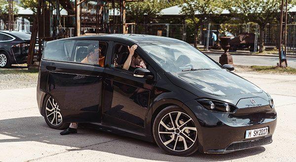 Este vehículo eléctrico con paneles solares ya posee 7.796 pedidos y saldrá a las carreteras para 2019