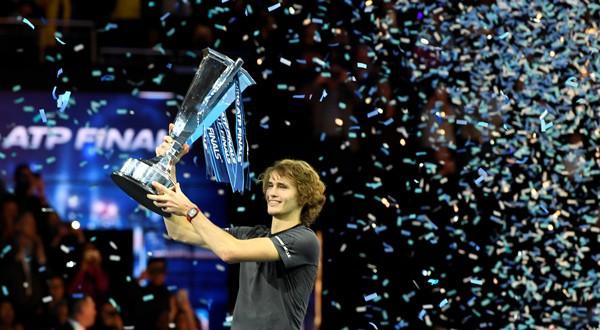 Alexander Zverev, el campeón más joven de la Copa de Maestros desde Novak Djokovic en el 2008 (REUTERS)