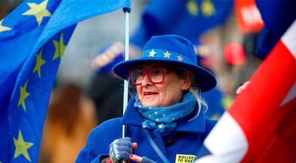 """Empresas británicas se preparan para un Brexit sin acuerdo, mientras la ministra May continúa en su periplo por """"vender"""" su proyecto/Reuters"""