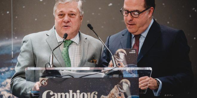 Los Premios Cambio16 otorgaron el pasado año el Premio Libertad a la oposición venezolana. En la imagen Leopoldo López Gil junto al expresidente de la Asamblea Nacional, Julio Borges