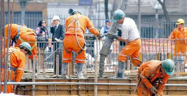 El desempleo de octubre desciende, pero sigue la incertidumbre.