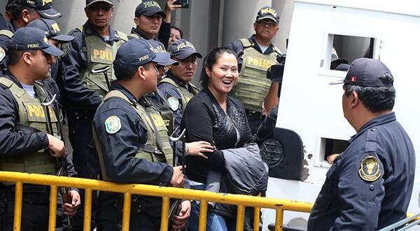 Esta semana, un juez le ordenó a Keiko que pase hasta tres años en la cárcel a la espera de un juicio/Reuters