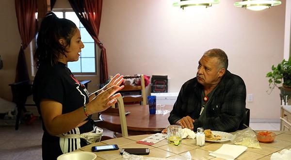 """Elecciones legislativas de EEUU. El sondeo de Reuters/Ipsos, elaborado entre el 1 de septiembre y el 29 de octubre, halló que el 36% de los votantes hispanos dijo que acudirá """"seguro"""" a las urnas, por encima del 27% en 2014/Reuters"""