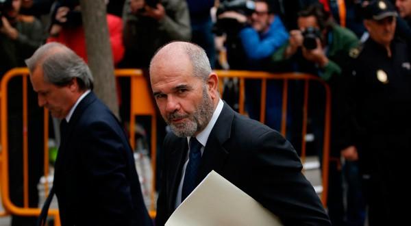 Chaves reta al PP a mostrar pruebas de que el PSOE se financió con los ERE