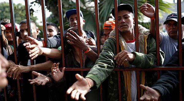 Grupos de derechos civiles actuarán frente a proclama de Trump de impedir el asilo a quienes ingresen ilegalmente desde frontera con México/Reuters