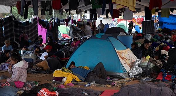 Migrantes centroamericanos en Tijuana se preparan para una larga espera/Reuters