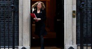 Ministros dimiten luego de que gabinete británico aprobó acuerdo del Brexit. En la imagen la ministra de trabajo y pensiones de Reino Unido, Esther McVey/Reuters