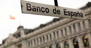 La estación de metro delante del edificio del Banco de España en Madrid el 22 de mayo de 2018. REUTERS/Juan Medina