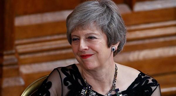 Theresa May ante el desafío de convencer a su gabinete de aceptar el borrador del Brexit