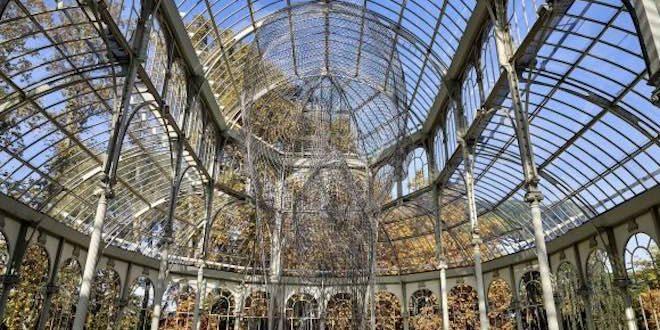"""El Palacio de Cristal de Madrid acoge la instalación """"Invisibles"""", creada por el artista Jaume Plensa"""