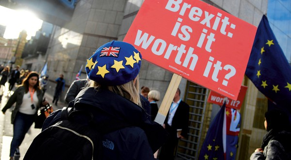 El Brexit sigue siendo el principal motor de los activos británicos. Es difícil predecir qué va a pasar, aunque la probabilidad de que se salde sin acuerdo es elevada. REUTERS