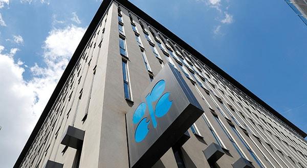 OPEP+ persigue acuerdo para reducir producción y estabilizar precios/REUTERS