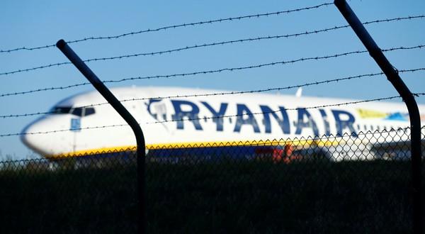 Ryanair llegó a un acuerdo con el sindicato de pilotos alemán (REUTERS)
