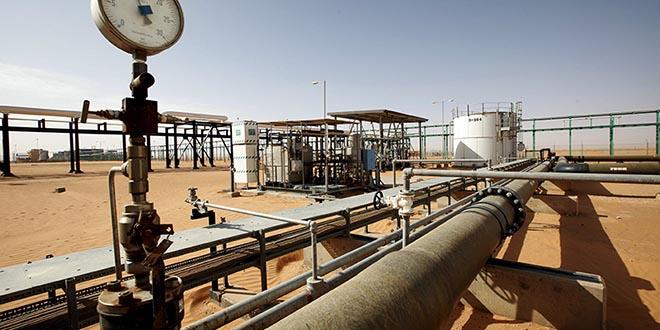 Vista general del campo petrolero El Sharara en Libia, 3 de diciembre de 2014. Foto de archivo. REUTERS/Ismail Zitouny