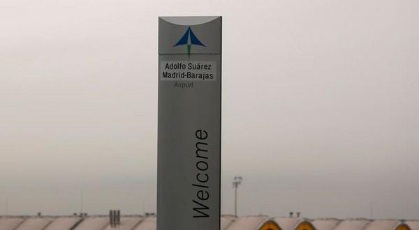 El logo de Aena en el aeropuerto de Barajas en Madrid el 9 de marzo de 2016. REUTERS/Sergio Perez/