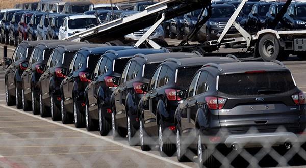 En un 12,6 por ciento interanual para el mes de noviembre se redujeron las ventas de automóviles nuevos en España/Reuters