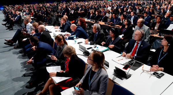 En la imagen, asistentes a la conferencia sobre clima en Katowice, Polonia, el 3 de diciembre de 2018. REUTERS/Kacper Pempel