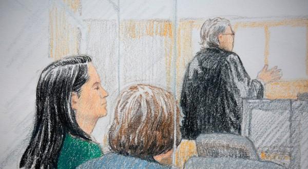 En la imagen, la directora financiera de Huawei Meng Wanzhou (i), en un dibujo realizado durante su comparecencia en un tribunal en Vancouver, Canadá, el 7 de diciembre de 2018. REUTERS/Jane Wolsak