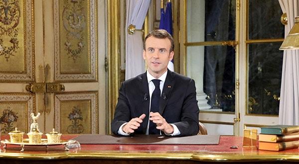 El presidente francés, Emmanuel Macron, hace un discurso televisado a la nación después de cuatro semanas de protestas en todo el país, París, Francia, 10 de diciembre de 2018. Ludovic Marin/REUTERS