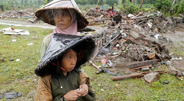 Estado de emergencia en Indonesia hasta el 4 de enero, luego de la tragedia ocasionada por un tsunami/Reuters
