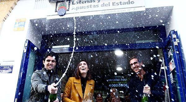 El Gordo de Navidad repartirá 2.400 millones de euros. Es el mayor premio de lotería del mundo. Se celebra de forma ininterrumpida desde 1812/Reuters