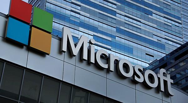 Microsoft superó a Apple en Wall Street luego de ocho años/Reuters